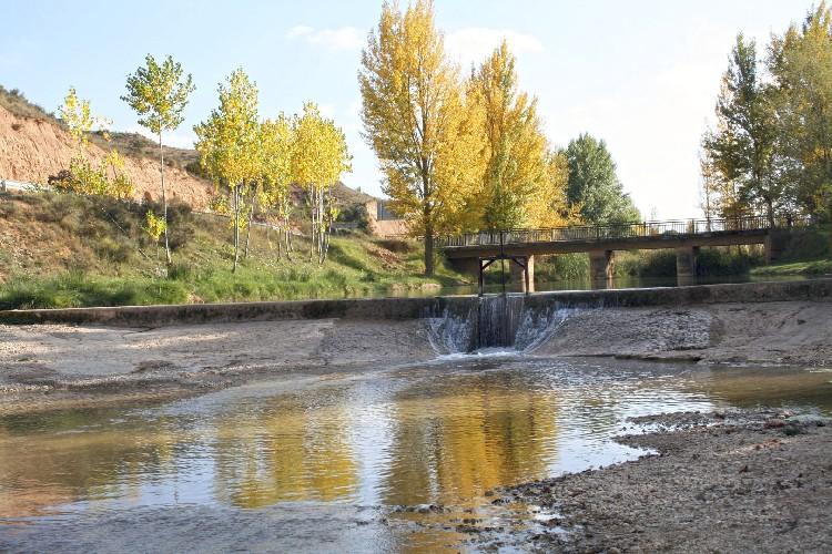 La Presa de Incendios. Esta presa se ha instalado para suministrar de agua a los camiones bomba de incendios.