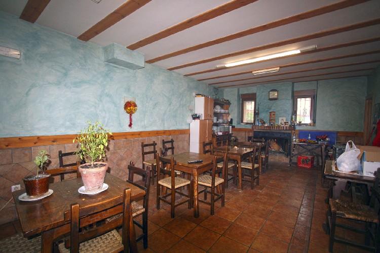 Restaurante donde comer. El alojamiento rural cuenta con un restaurante, en cuyo comedor disfrutar de buena comida casera.